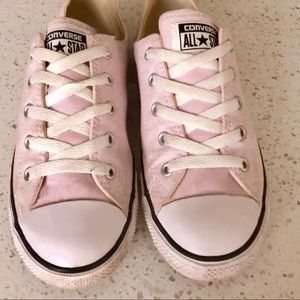 Converse Light Pink Dainty low top all stars